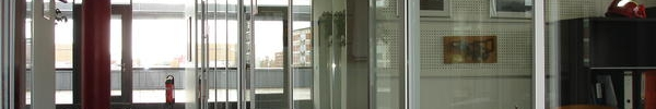 Raumhohe Schiebetüren, Bürotrennwände organisierbar